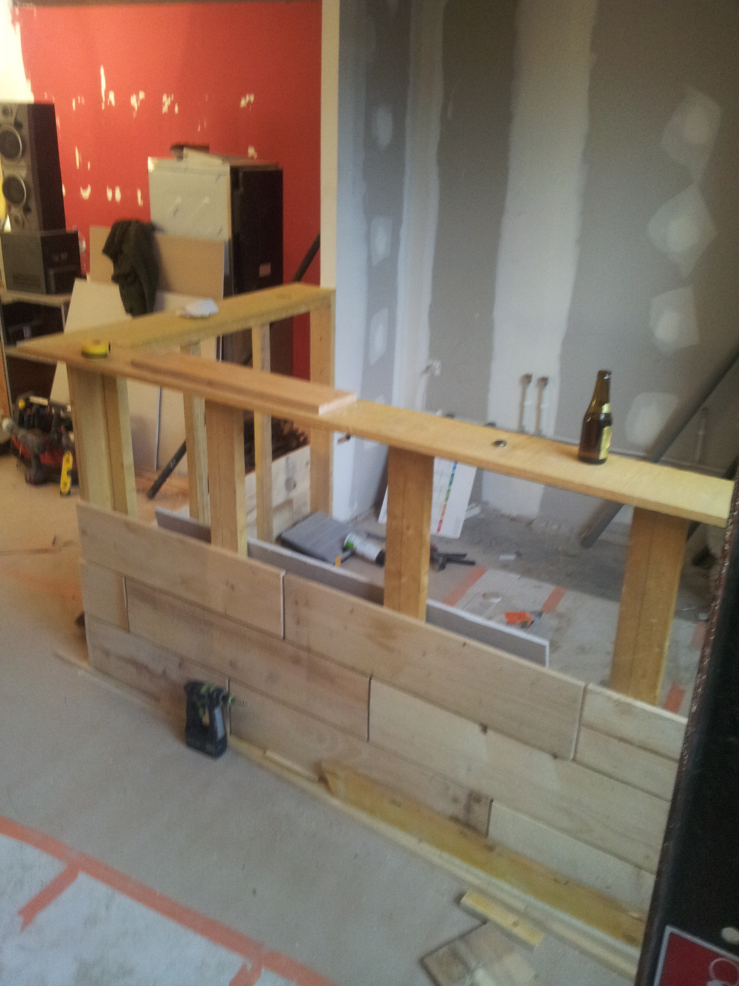 La construction du bar !